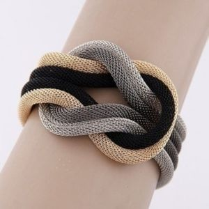3/30 Chunky Statement Rope Bracelet